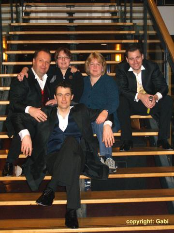 Anja&Beate with tenors 2008